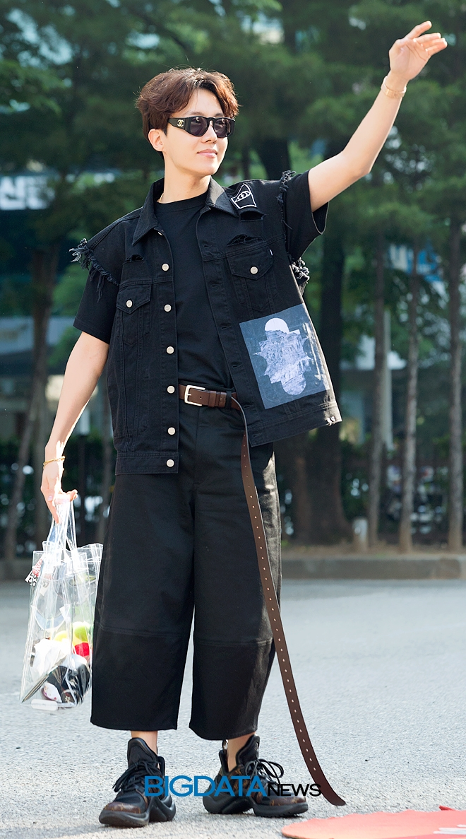 [BIG포토] 방탄소년단(BTS) 제이홉, 천상의 조각미남 호석님께서 인사를 하신다