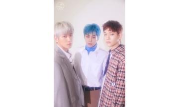 엑소-첸백시(EXO-CBX), 주간 음반 차트 1위 석권
