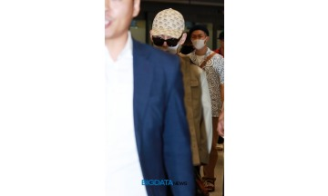 [BIG포토] 방탄소년단(BTS) 뷔, 멋스러움에 감탄하느라 흔들렸다