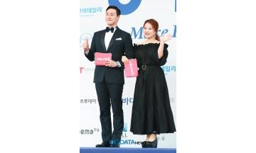 [BIG포토] 김원효-심진화, 저희가 바로 블루카펫 사회자입니다 (2018 소리바다 어워즈)
