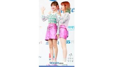 [BIG포토] 볼빨간사춘기, 귓가를 적셔주는 소녀들의 사랑스런 손인사 (2018 소리바다 어워즈)