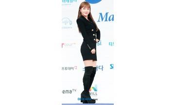 [BIG포토] 홍진영, 포즈의 여왕이라고 불러주세요 (2018 소리바다 어워즈)