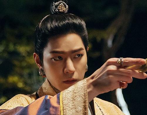 드라마 '달의 연인' 고대 주얼리 이야기 - 男주인공들의 귀걸이 디자인 ⑧