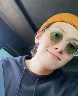 지창욱, 2달만 근황 공개…독특한 패션 감각 '시선집중' [SNS★]