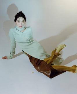 권민아, 초연한 눈빛+옆트임 치마로 도발적인 아우라