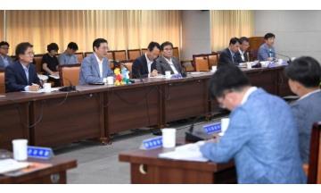 이용섭 시장, 마스터즈수영대회 추진상황 보고회 주재…부문별 준비 점검