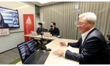 SK이노베이션 김준 총괄 사장, 코로나19로 채용중단 극복한 화상면접장 찾아 인력채용 점검